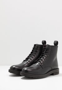 Walk London - WOLF LACE UP - Botines con cordones - black - 2