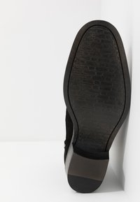 Walk London - HOXTON INSIDE ZIP CUBAN - Classic ankle boots - black - 4