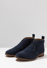 Walk London - HARRINGTON CHUKKA BOOT - Stringate sportive - blue - 2