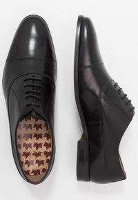 Walk London - HOUSTON TOE CAP - Stringate eleganti - black - 1