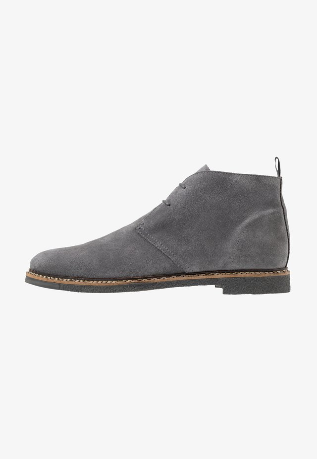DYLAN DESERT BOOT - Casual lace-ups - crut grey