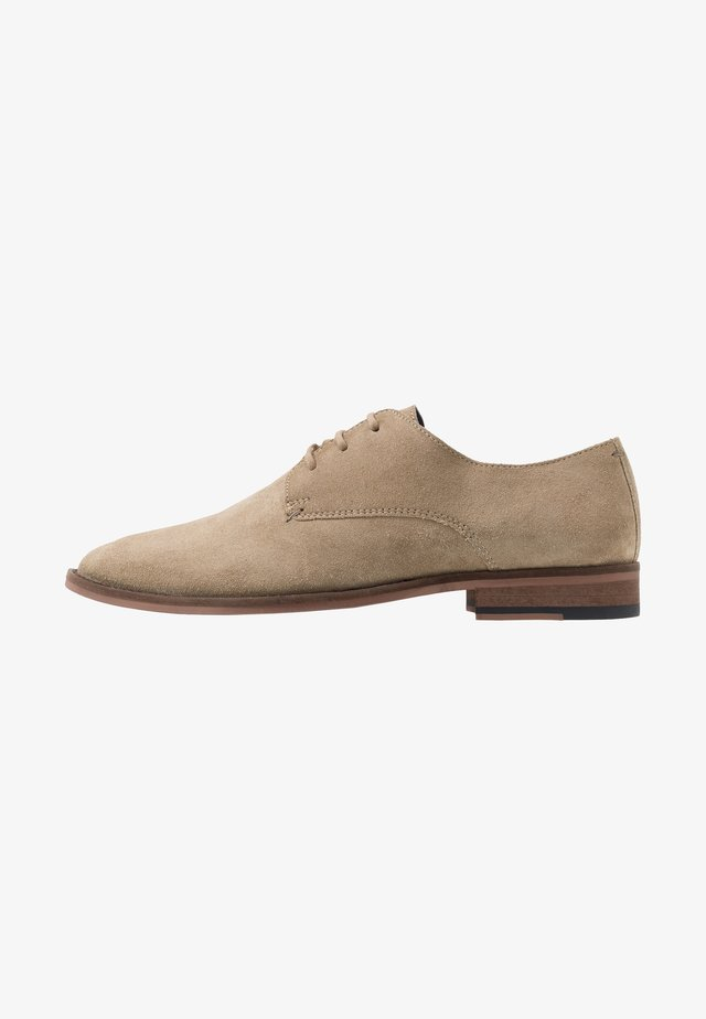 TRIBUTE DERBY - Smart lace-ups - stone