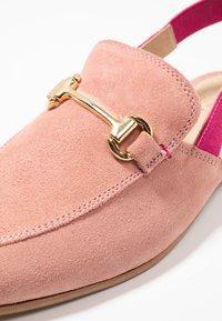 Walk London - JUDE MULE ESLASTIC - Scarpe senza lacci - pink - 5
