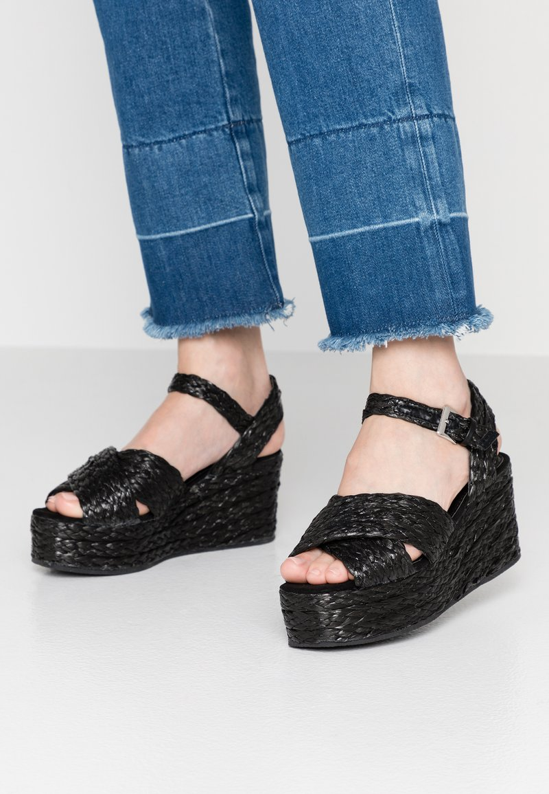 Warehouse - WEDGE - Plateausandalette - black