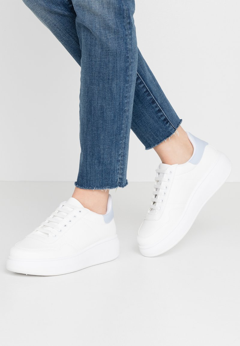 Warehouse - HEAVY SOLE TRAINER - Trainers - white/blue