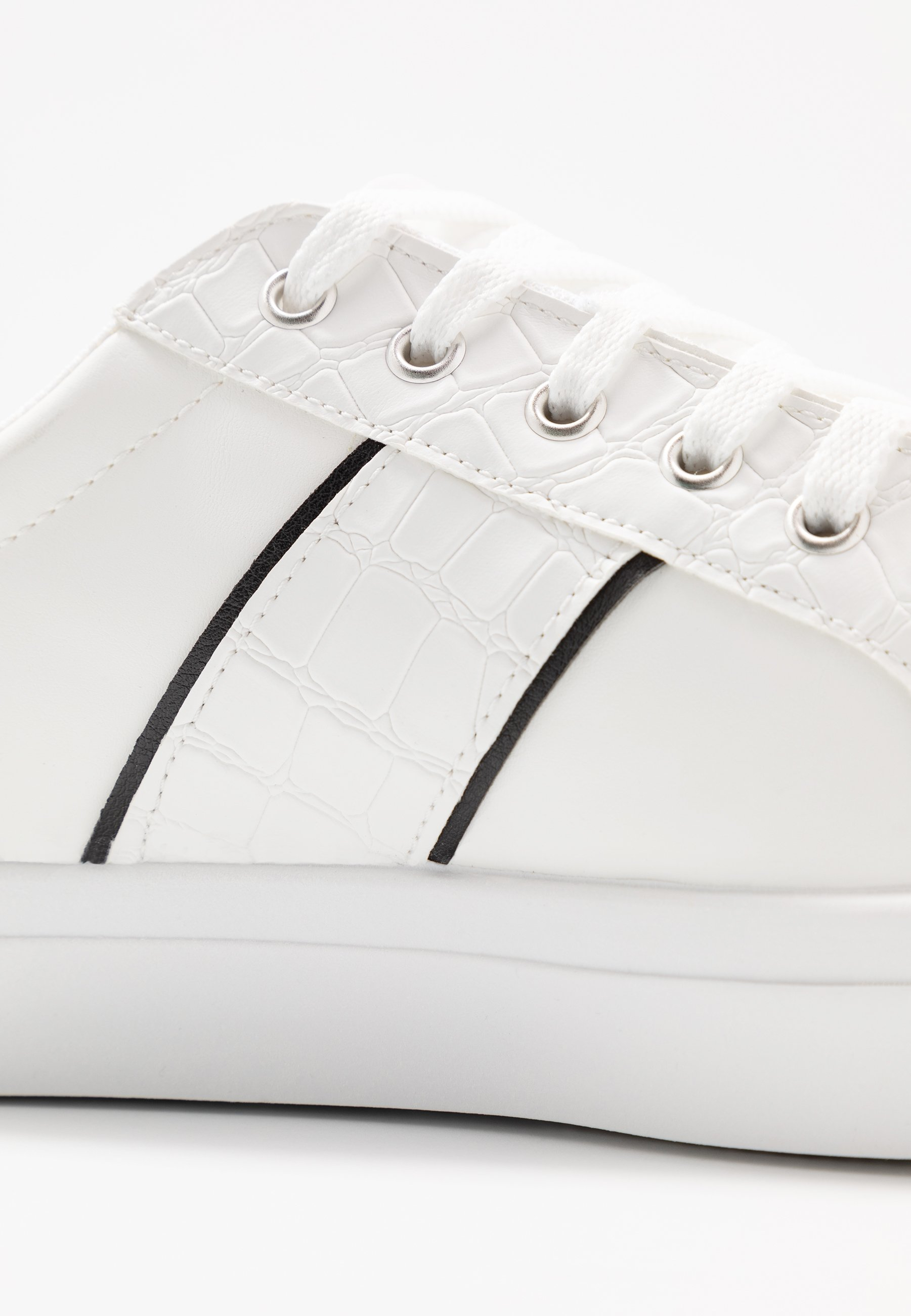 Warehouse CLASSIC LACE UP TRAINER - Sneakersy niskie - white/nude