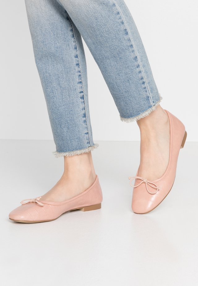 SQUARE TOE BALLET FLAT SHOE - Ballet pumps - pink