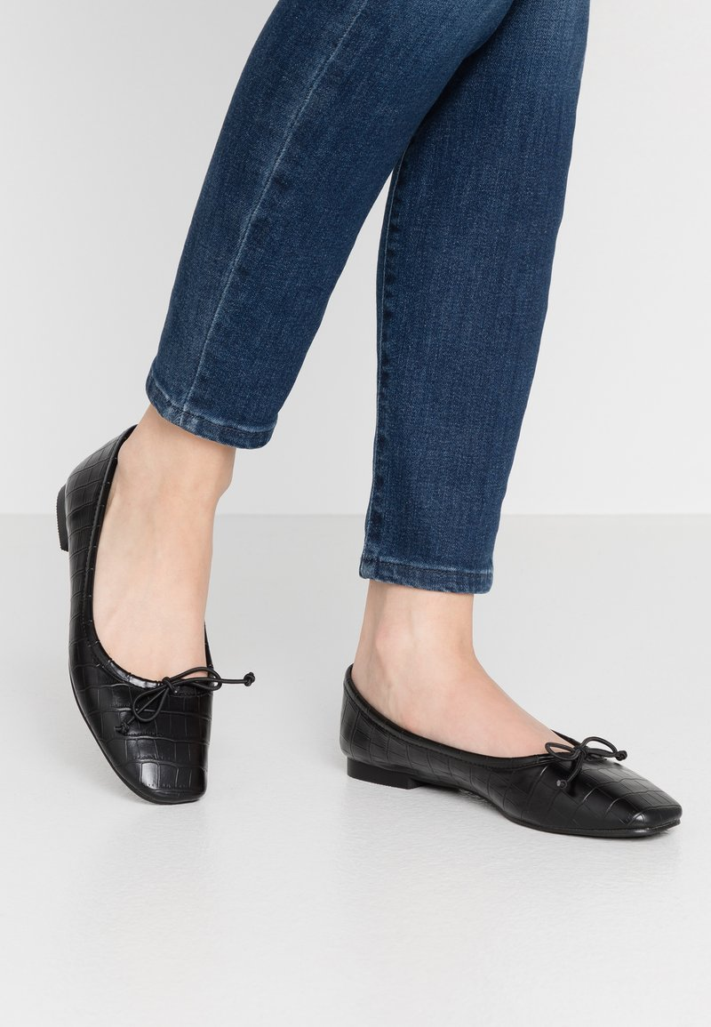 Warehouse - SQUARE TOE BALLET FLAT SHOE - Ballet pumps - black