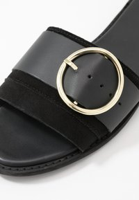 Warehouse - RING DETAIL MULE - Mules - black - 2