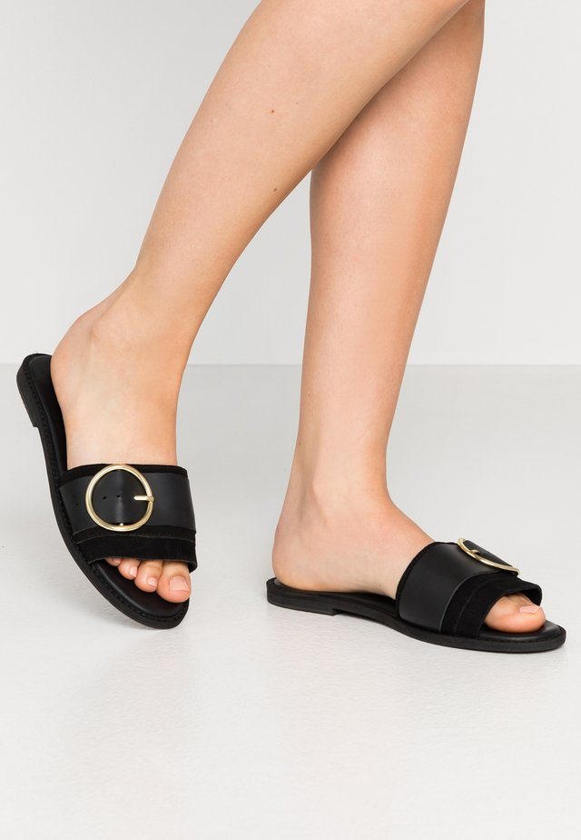 RING DETAIL MULE - Slip-ins - black