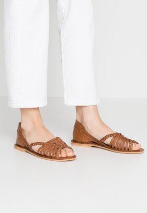 HUARACHE - Sandaler - tan