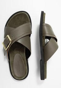 Warehouse - CROSSOVER FOOTBED  - Mules - khaki - 3