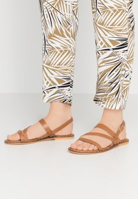 Warehouse - STRAP STUDDED  - Sandals - tan - 0
