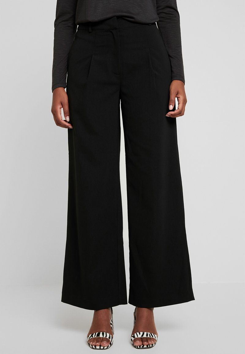 Warehouse - WIDE LEG TROUSERS - Trousers - black