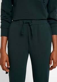 Warehouse - UTILITY - Tracksuit bottoms - green - 6