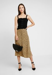 Warehouse - LITTLE LEOPARD MIDI SKIRT - A-line skirt - neutral - 1