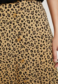 Warehouse - LITTLE LEOPARD MIDI SKIRT - A-line skirt - neutral - 5