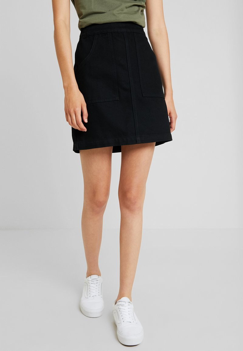 Warehouse - POCKET DETAIL SKIRT - Áčková sukně - black