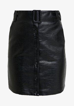 CROC BELTED SKIRT - Áčková sukně - black