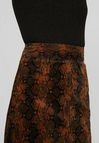 Warehouse - SNAKE PELMET SKIRT - A-line skirt - snake - 5