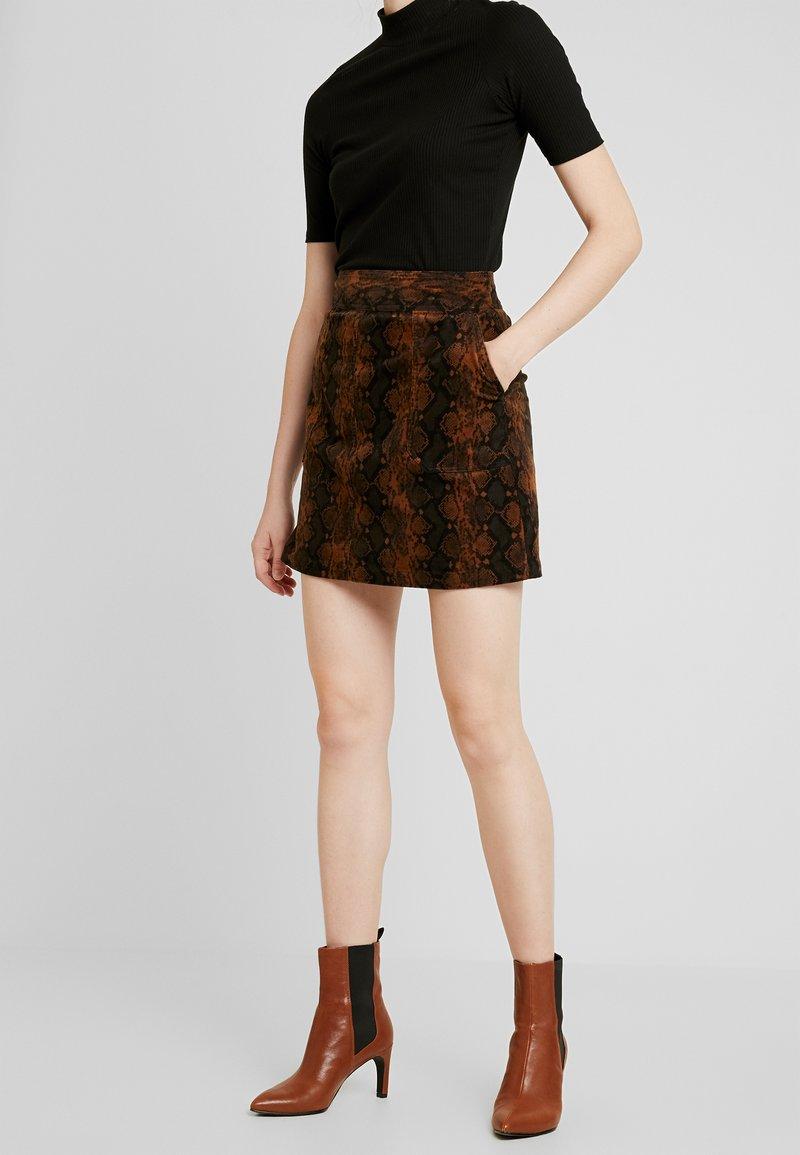 Warehouse - SNAKE PELMET SKIRT - A-line skirt - snake