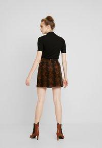Warehouse - SNAKE PELMET SKIRT - A-line skirt - snake - 2