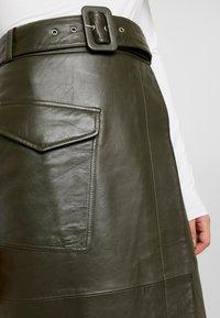 Warehouse - BELTED SKIRT - A-line skirt - khaki - 4