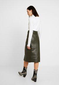 Warehouse - BELTED SKIRT - A-line skirt - khaki - 2