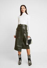 Warehouse - BELTED SKIRT - A-line skirt - khaki - 1