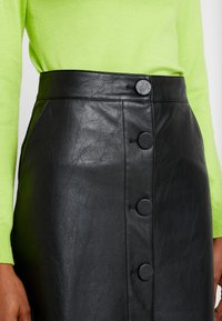 Warehouse - BUTTON THROUGH SKIRT - A-line skjørt - black - 4