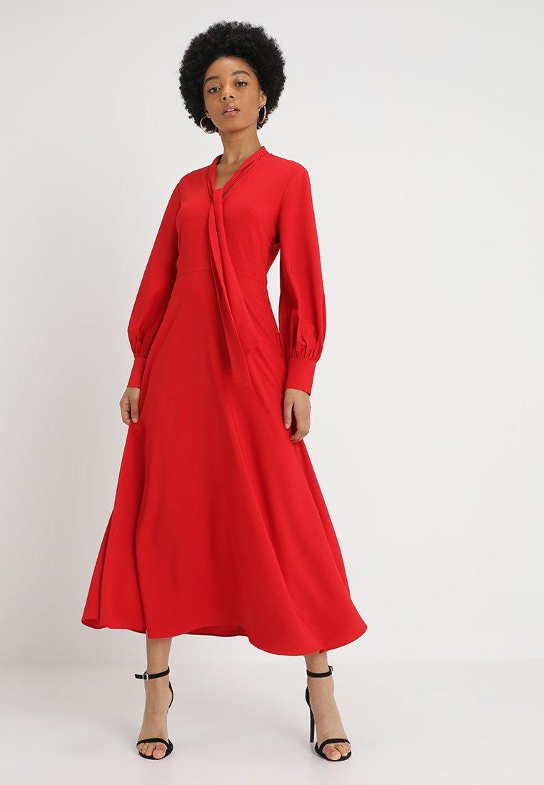 Warehouse - PUSSYBOW DRESS - Maxikjoler - red