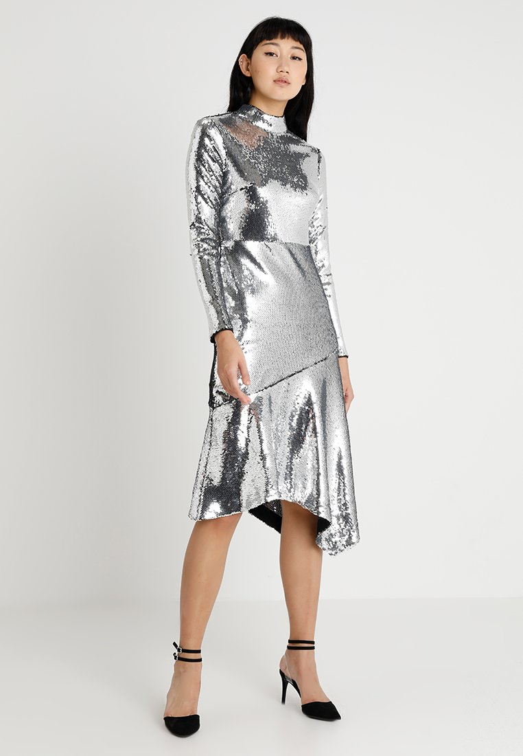 Warehouse - SEQUIN OPEN BACK HIGH NECK MIDI DRESS - Cocktailklänning - silver