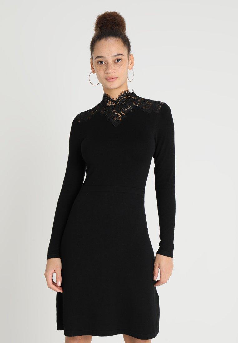 Warehouse - HIGH NECK FIT FLARE DRESS - Strickkleid - black