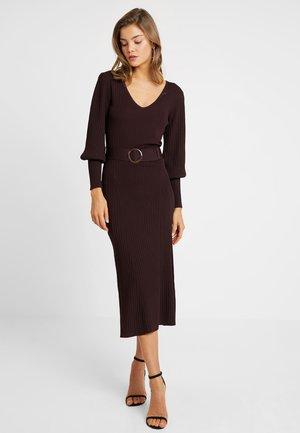 TORTOISESHELL BELT DRESS - Maksimekko - brown