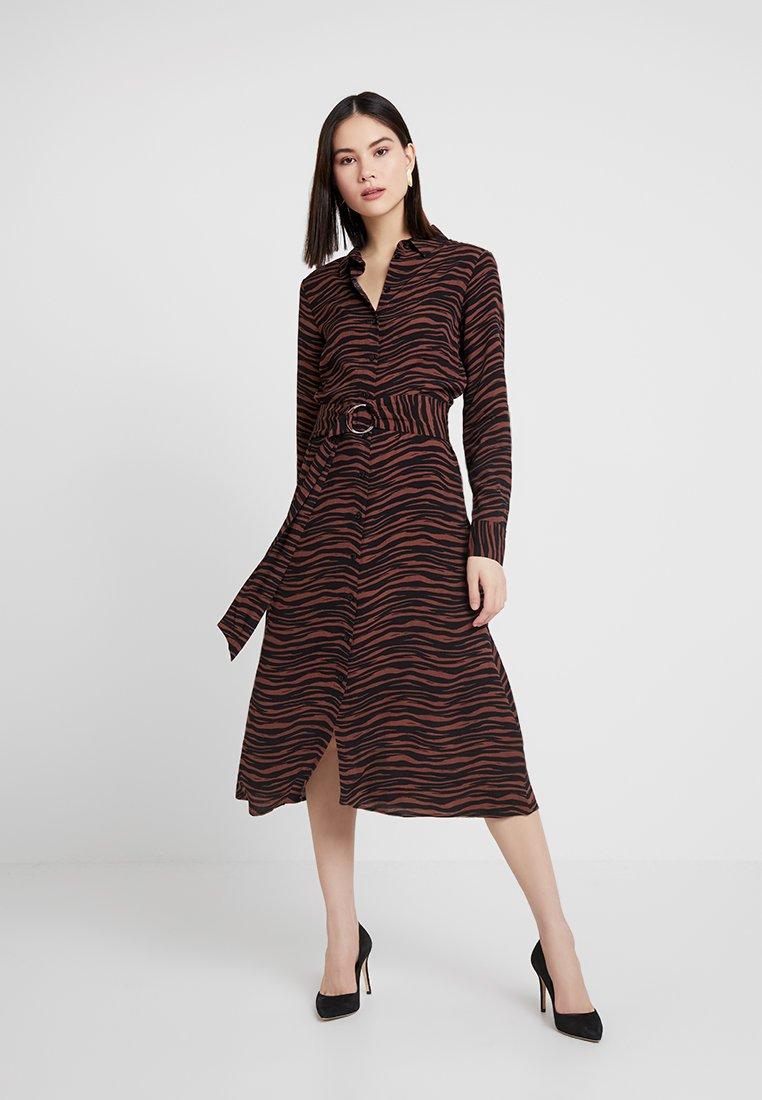 Warehouse - ANIMAL PRINT DRESS - Maxikleid - brown