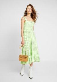 Warehouse - SHRIMPS GINGHAM DRESS - Maxi dress - green - 1