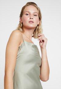 Warehouse - CAMI SLIP DRESS - Vestido informal - khaki - 5