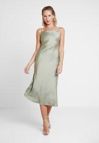 Warehouse - CAMI SLIP DRESS - Vestido informal - khaki - 0