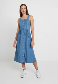 Warehouse - STRAPPY BUTTON THROUGH DRESS - Maxi dress - mid wash - 0