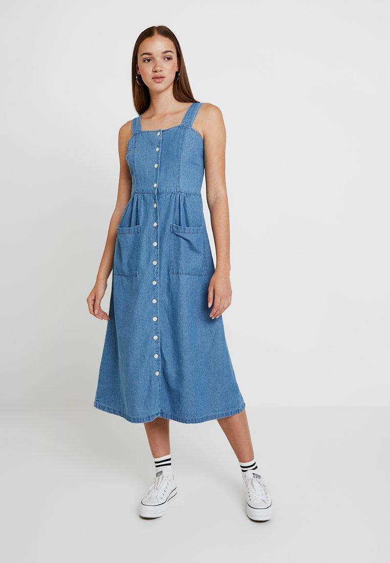Warehouse - STRAPPY BUTTON THROUGH DRESS - Maxi dress - mid wash