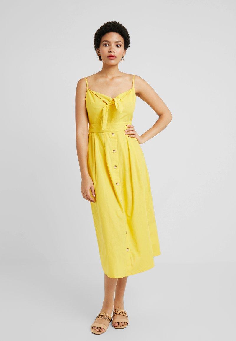 Warehouse Front Midi DressRobe Chemise Tie Yellow AR3jL54