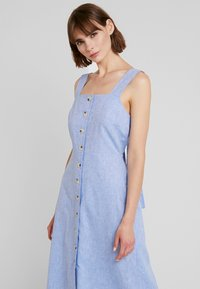 Warehouse - CHAMBRAY DRESS - Day dress - light blue - 3