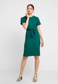 Warehouse - CRINKLE DRESS - Day dress - green - 0