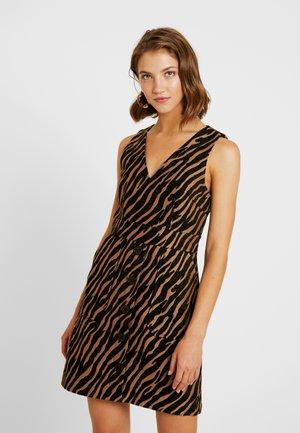 ZEBRA PINNY DRESS - Freizeitkleid - brown/black