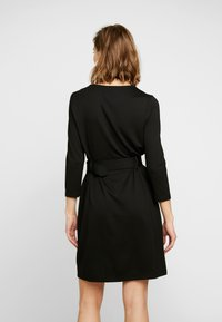 Warehouse - UTILITY BELTED PONTE DRESS - Jersey dress - black - 3
