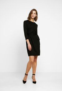 Warehouse - UTILITY BELTED PONTE DRESS - Jersey dress - black - 2