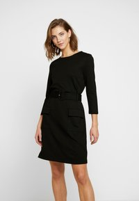 Warehouse - UTILITY BELTED PONTE DRESS - Jersey dress - black - 0