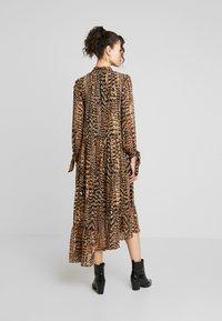 Warehouse - PRINT DRESS - Maxi dress - beige - 3