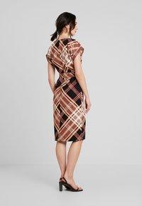 Warehouse - CHECK SOFT SHIFT DRESS - Kjole - multi - 2