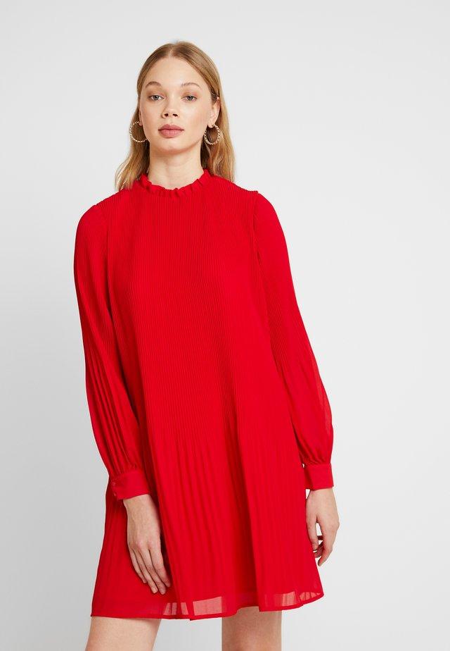 MICRO PLEAT MINI DRESS - Freizeitkleid - red